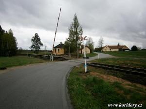 Hrdloøezy - pøejezd v km 13,737.