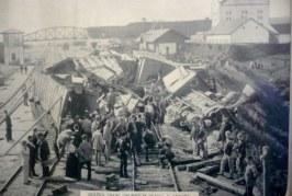 Srážka vlaků v nádraží v Táboře