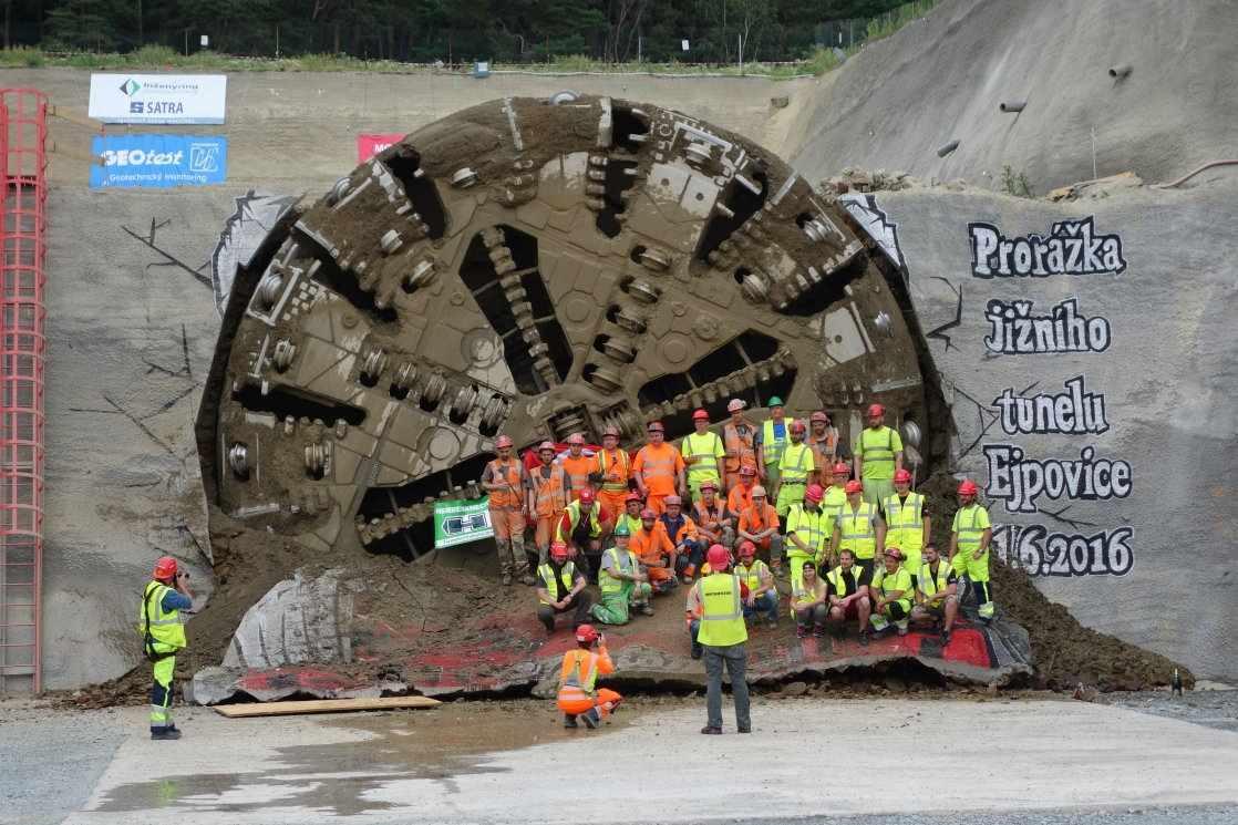 Prorážka jižní tunelové roury 11.6.2016 15:36