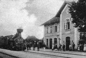 Původní výpravní budova čp. 156, v roce 1915