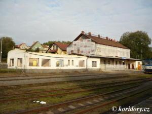 Sedlčany - oprava výpravní budovy