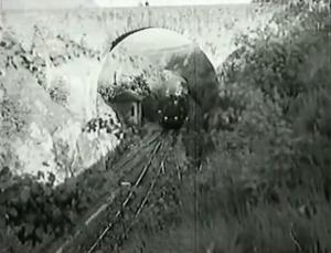 Střezimíř - silniční nadjezd nad tratí