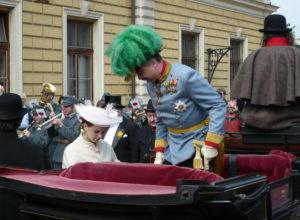 Arcivévoda s hraběnkou Chotkovou (prvomájové oslavy 2009)